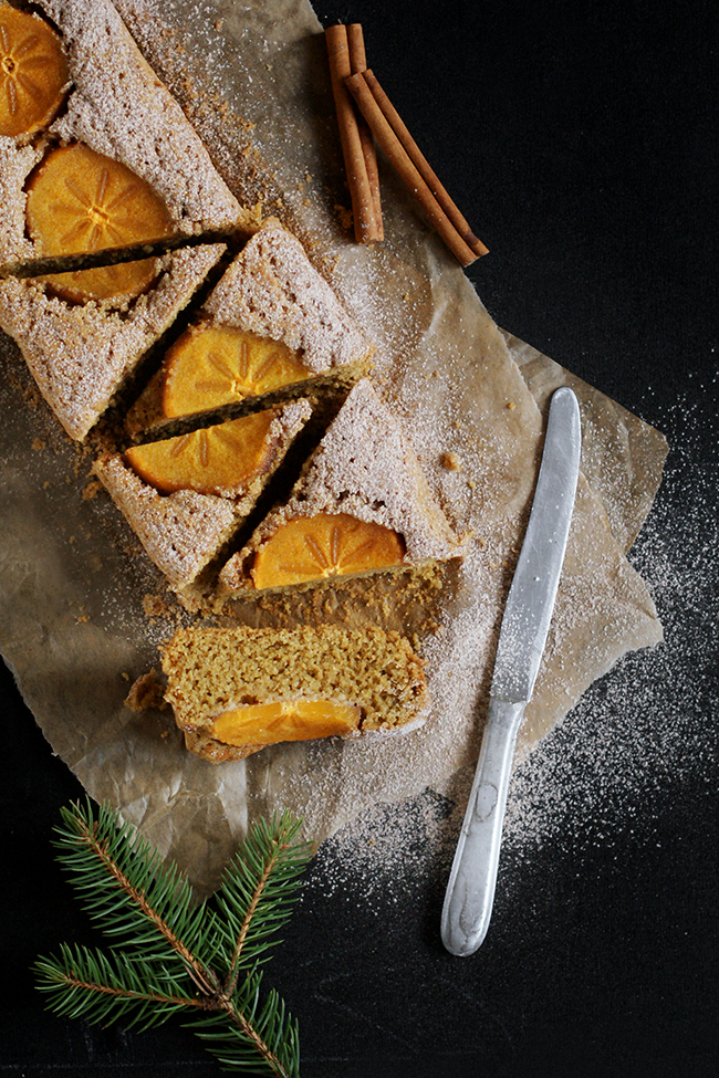 Imbirowo-kardamonowe ciasto z persymoną