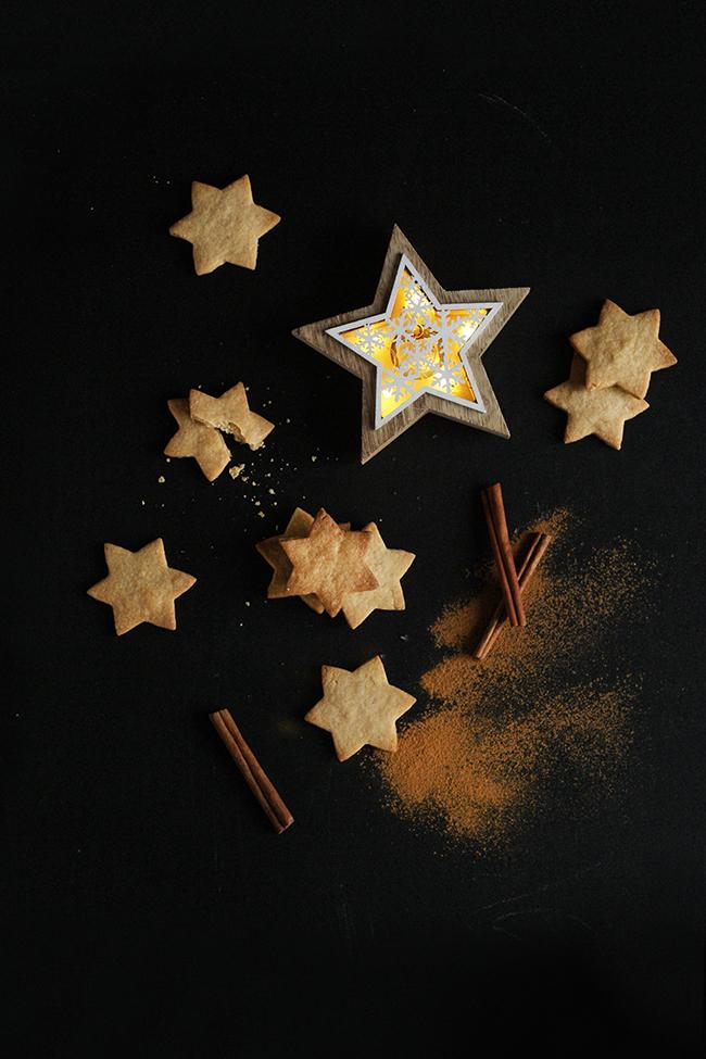 Kruche ciasteczka migdałowo-cynamonowe