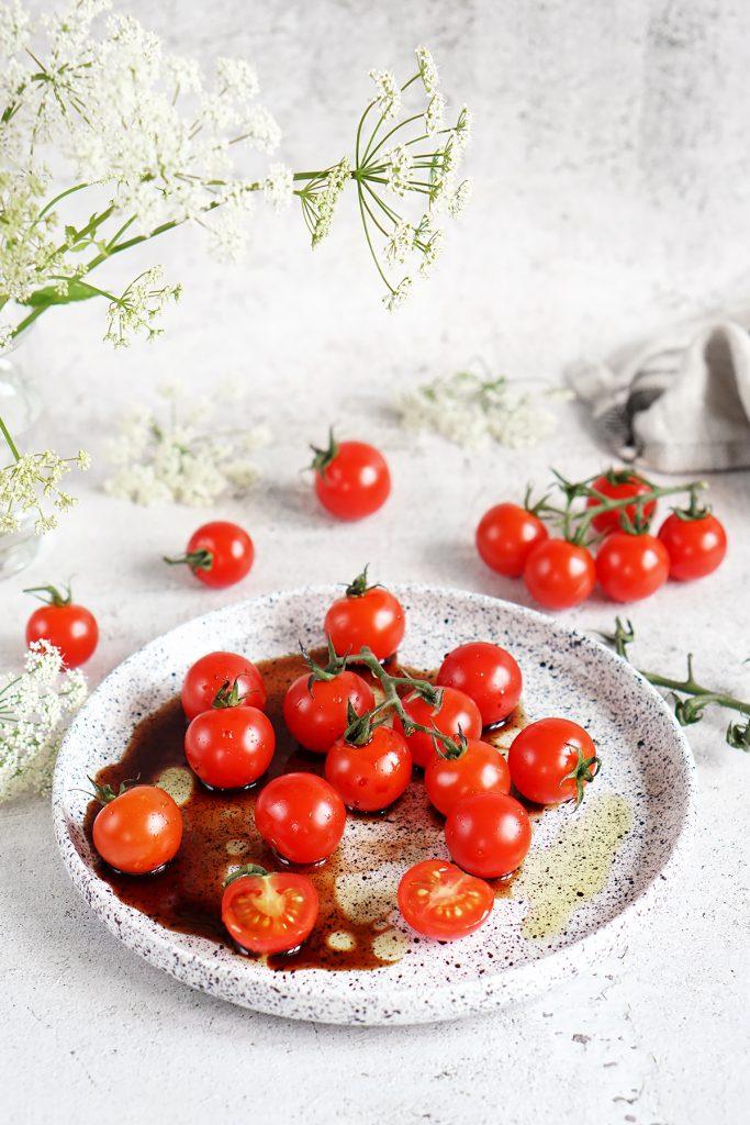 Pomidorki z oliwą i octem balsamicznym